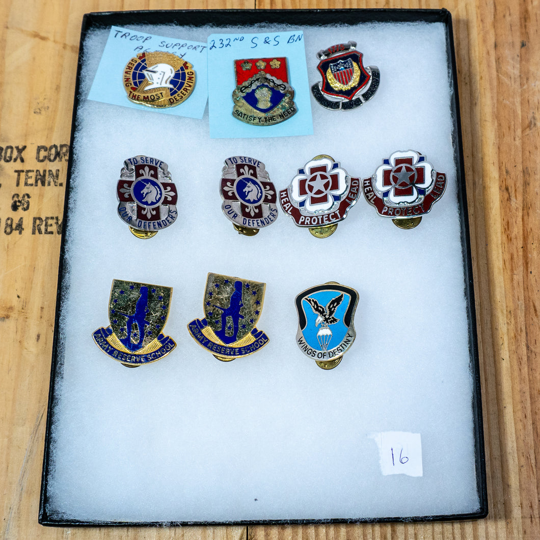 Lot of 10 Distinctive Unit Insignia / Unit Crest  - Lot #16