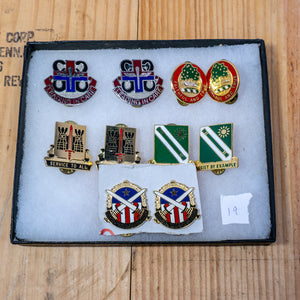 Lot of 10 Distinctive Unit Insignia / Unit Crest  - Lot #19