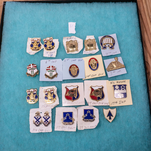 Lot of 20 Distinctive Unit Insignia / Unit Crest  - Lot #21
