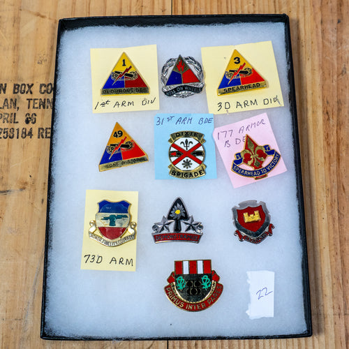 Lot of 10 Distinctive Unit Insignia / Unit Crest  - Lot #22