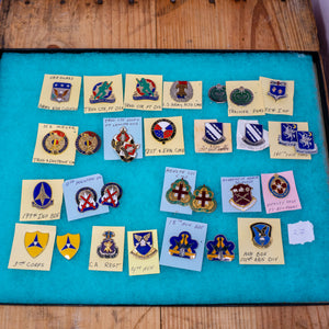 Lot of 30 Distinctive Unit Insignia / Unit Crest  - Lot #27