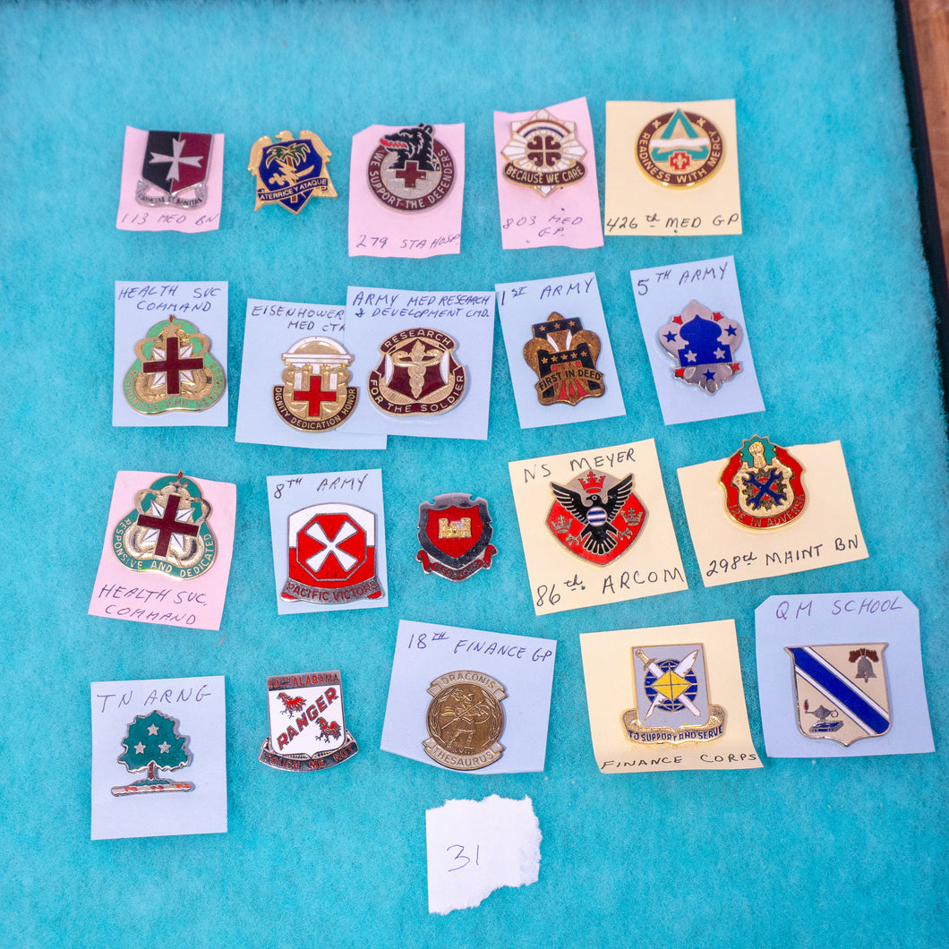 Lot of 20 Distinctive Unit Insignia / Unit Crest  - Lot #31