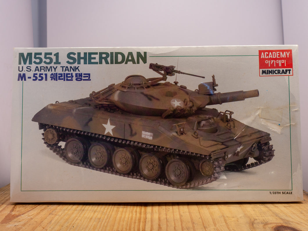 US M551 Sheridan Model Kit