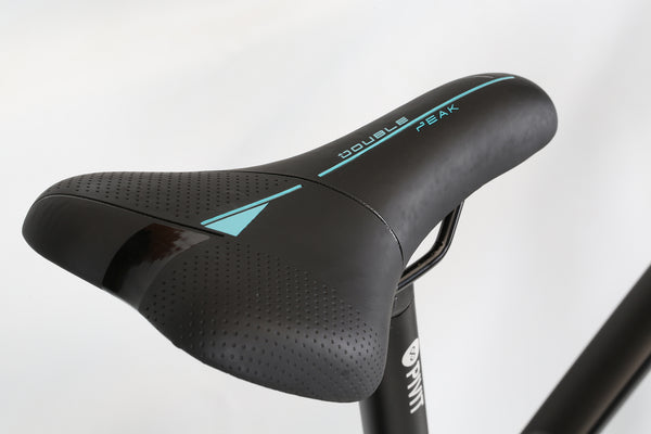 2020 Haro MTB Double Peak 29 Sport Matte Black Detail 3.