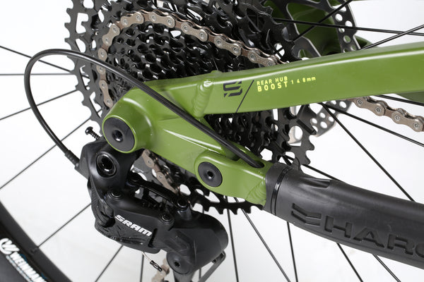 2020 Haro MTB Shift R7 29 Black Green Detail 6.
