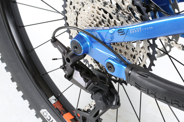 2020 Haro MTB Shift R9 275 Black Blue Detail 5.