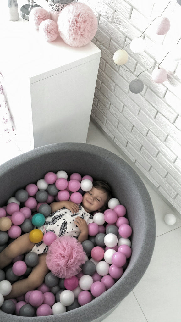 Ball Pit + 200 Balls (colour of your choice)