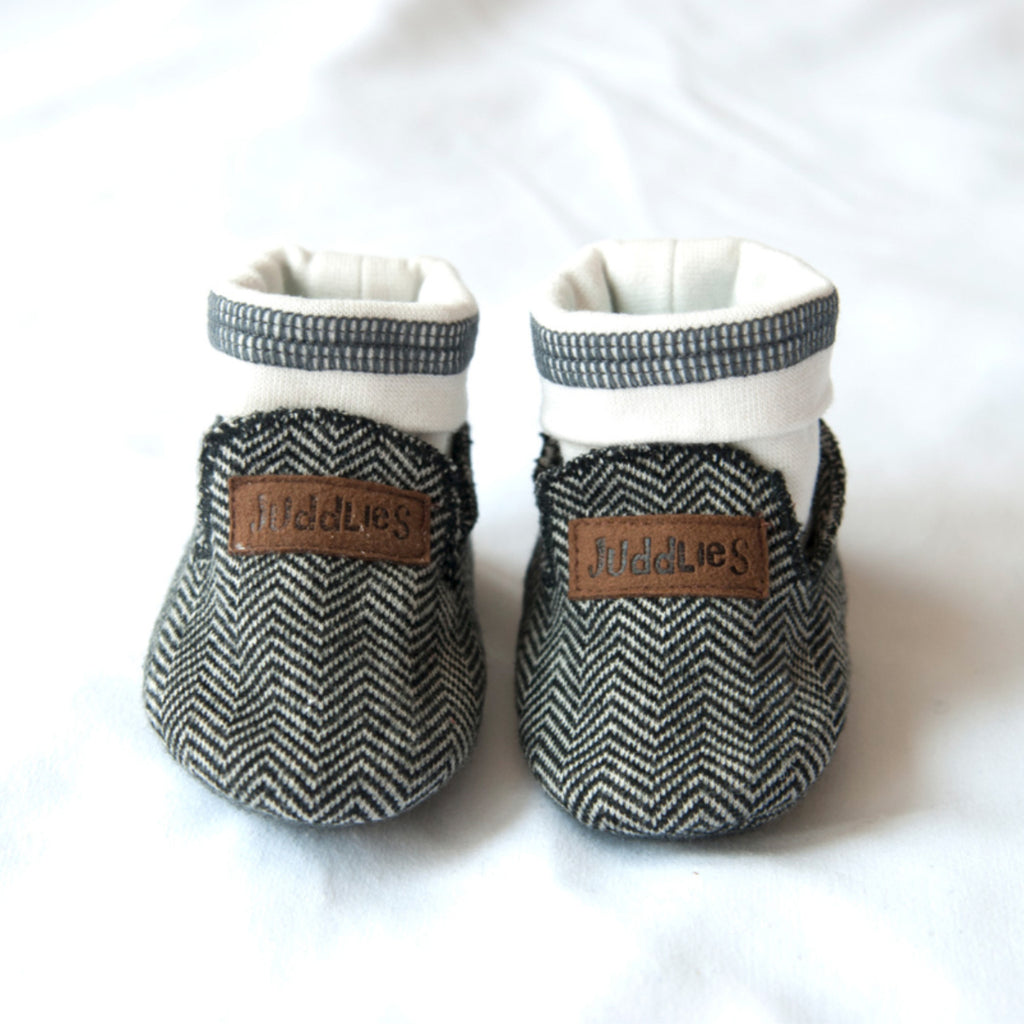 Organic Cottage Slippers - Bear Black - 0-4M
