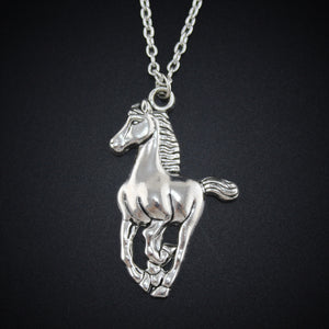 "2017 New Women Jewelry Vintage Silver Tone 1.0""X1.5"" Cool Horse Pendant Short Necklace Girls Gift DY57 Free Shipping"
