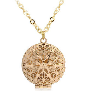 Vintage Style Round Shape Hollow Filigree Pendants