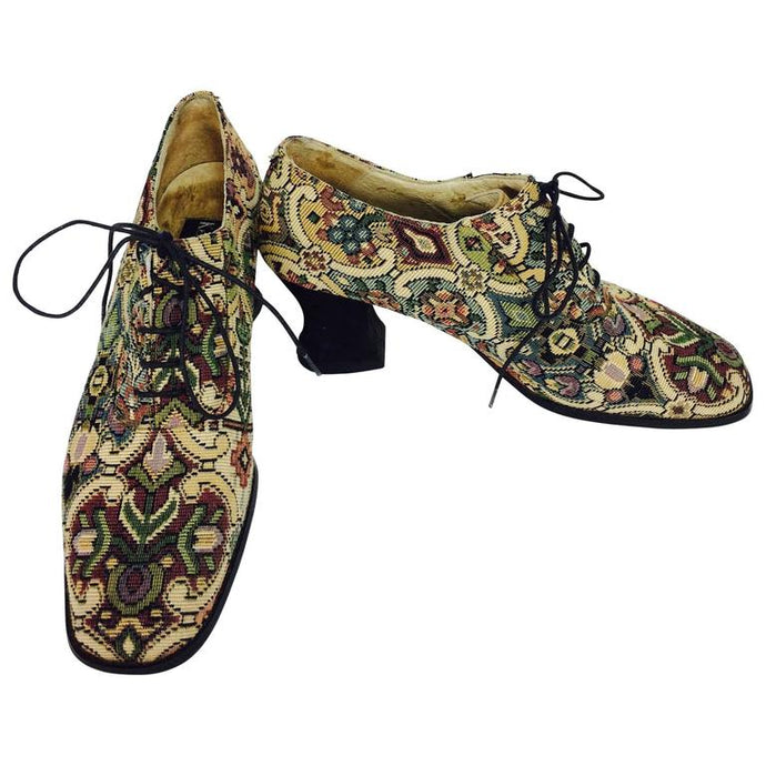 Kenneth Cole tapestry brocade Louis heel lace up shoes 9M 1990s