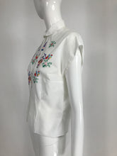 Vintage Hand Embroidered Linen Asian Theme Novelty Blouse 1950s