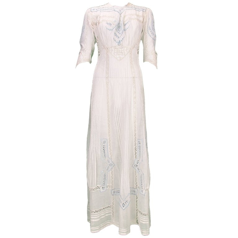 Edwardian Blue and White Embroidered Batiste Tea Dress Early 1900s