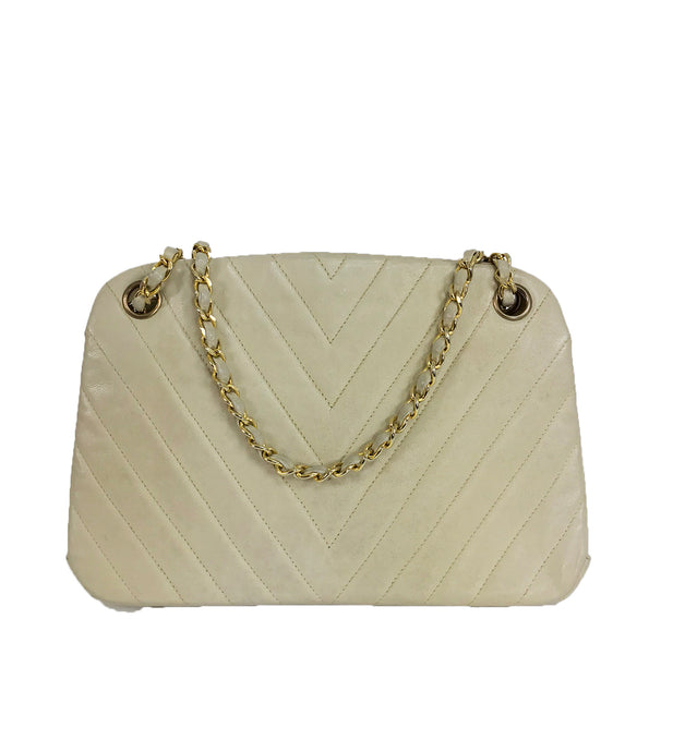 Chanel 1980s Ivory Chevron Kiss Lock Center Chain Handle Bag 1980s