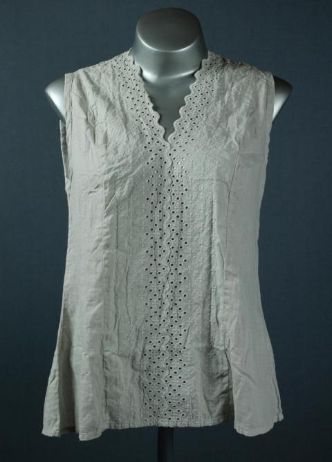 Broderie anglaise vest