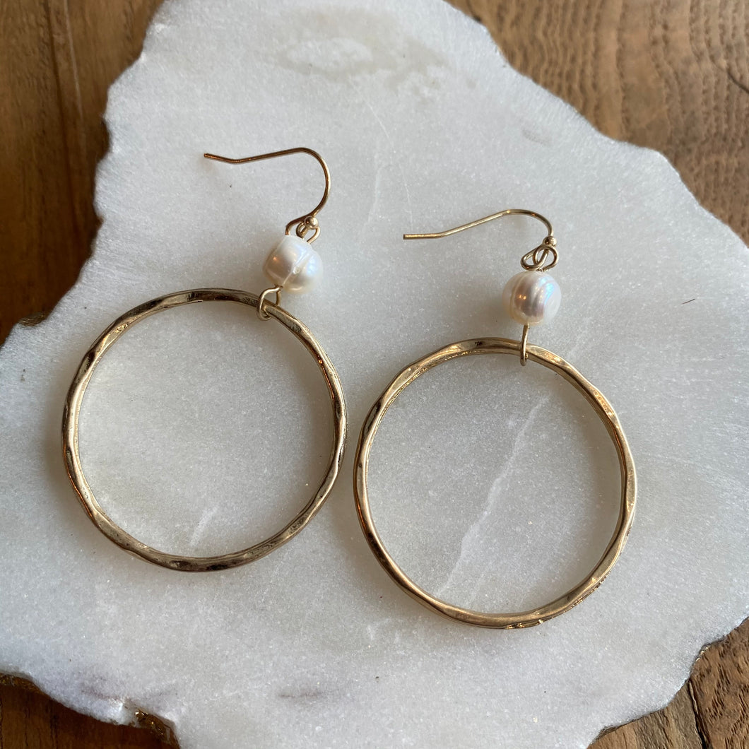 PEARL & CIRCLE EARRINGS