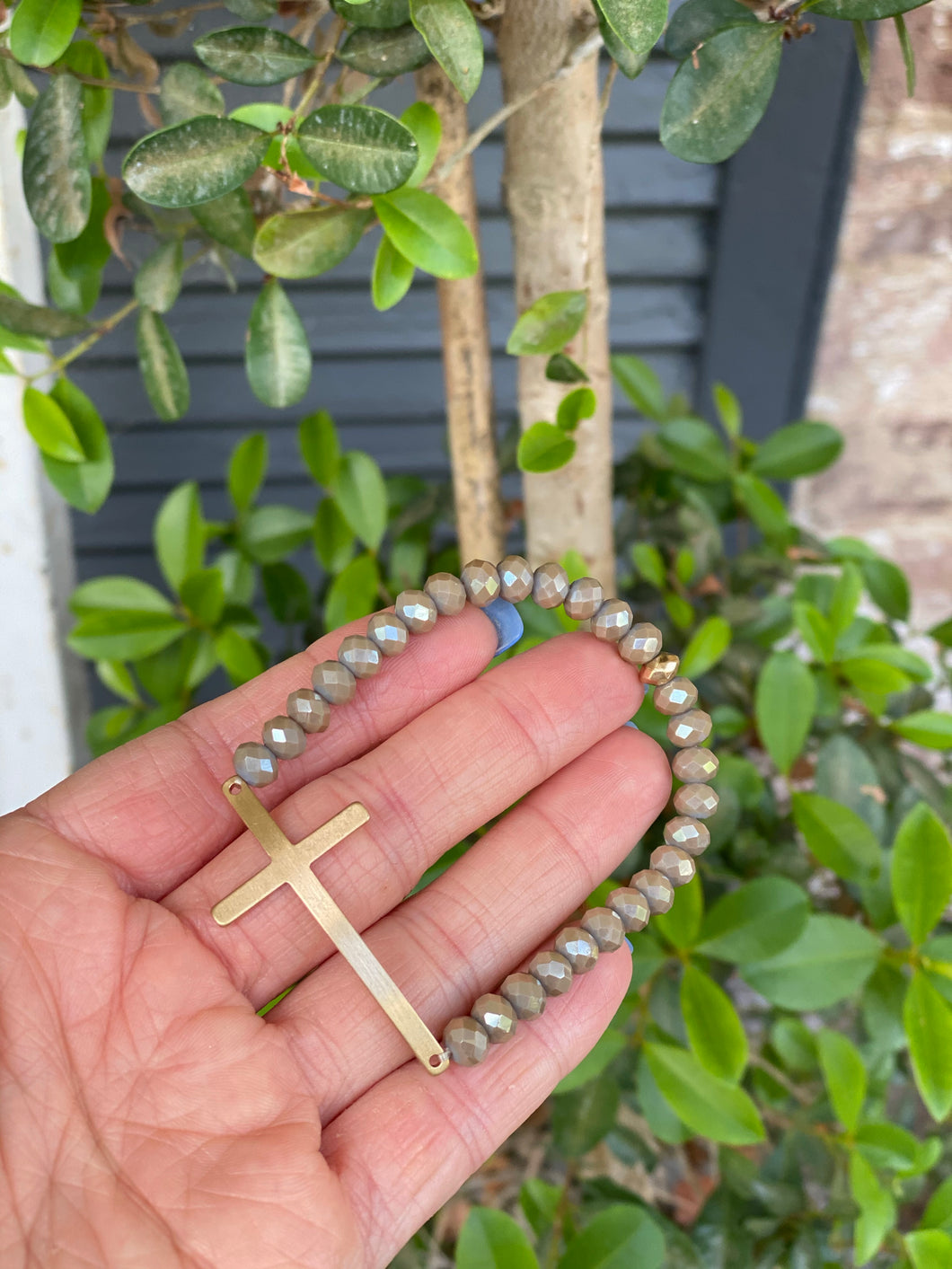 BEADED CROSS BRACELET - GREY
