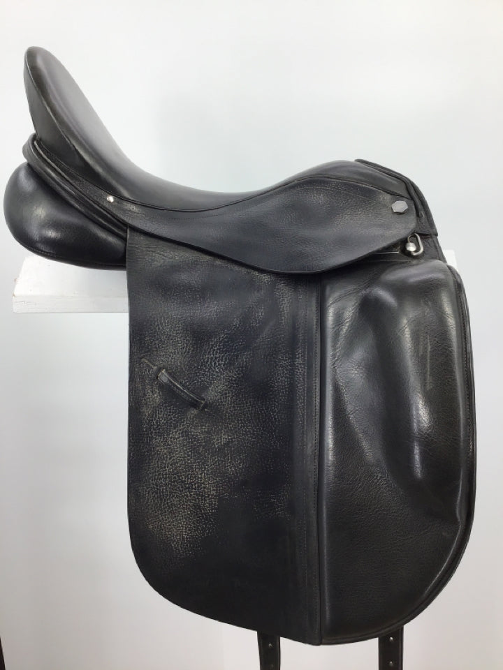 "17.5"" Albion stamped dressage saddle but measure 18"" med/narrow tree"