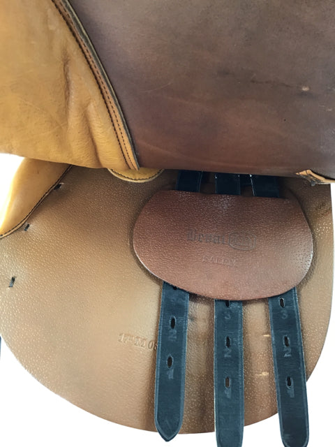 "17"" Beval Salem medium tree used close contact saddle"