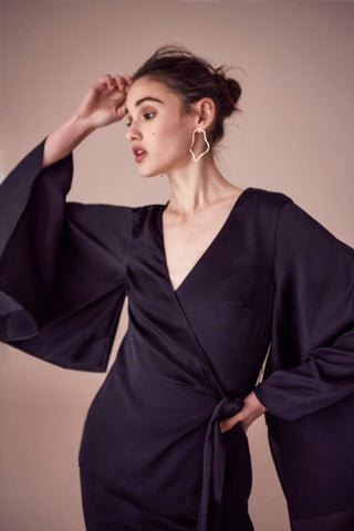 ROMANCE WRAP TOP BLACK