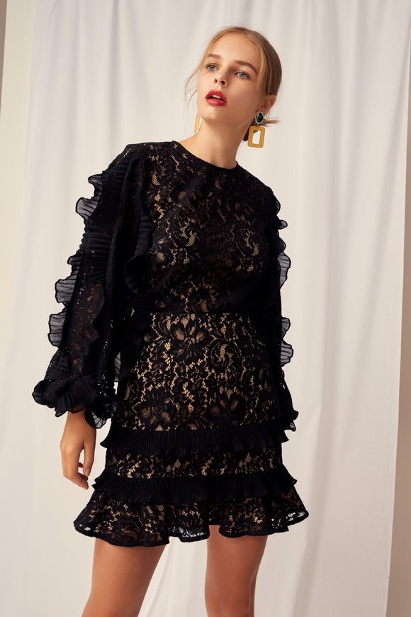 TIMELESS LACE TOP BLACK