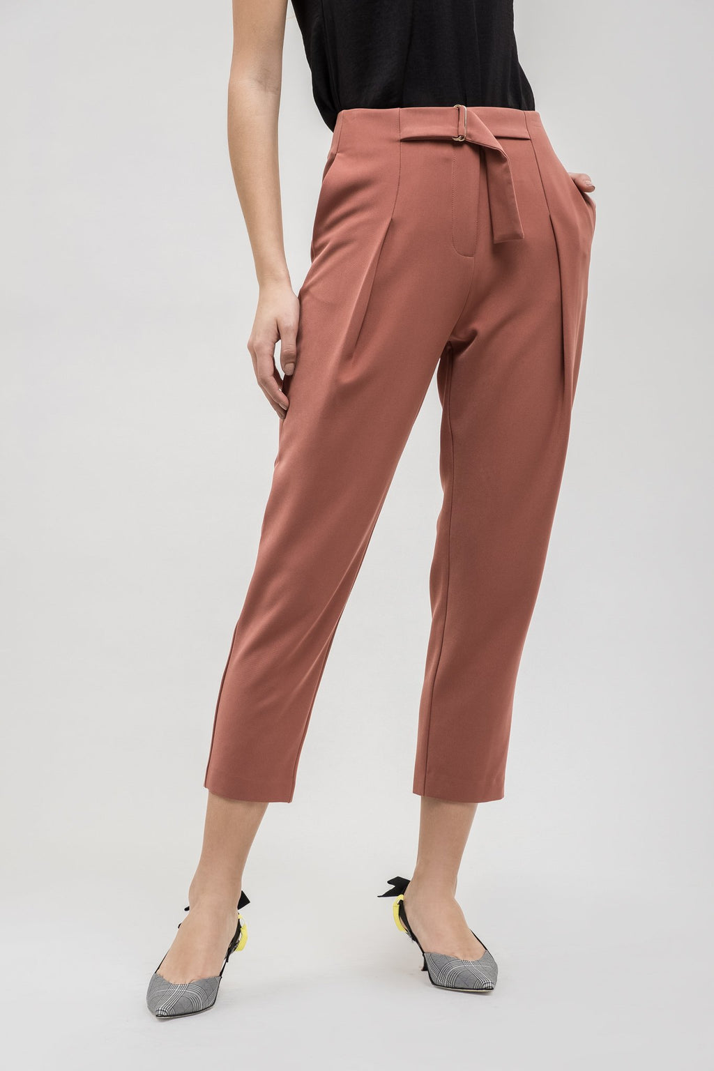 Belted waist trouser sien by J.O.A. cropped leg, rust colour, belt, pockets, blush and lace boutique, oakville, ontario, trendy.