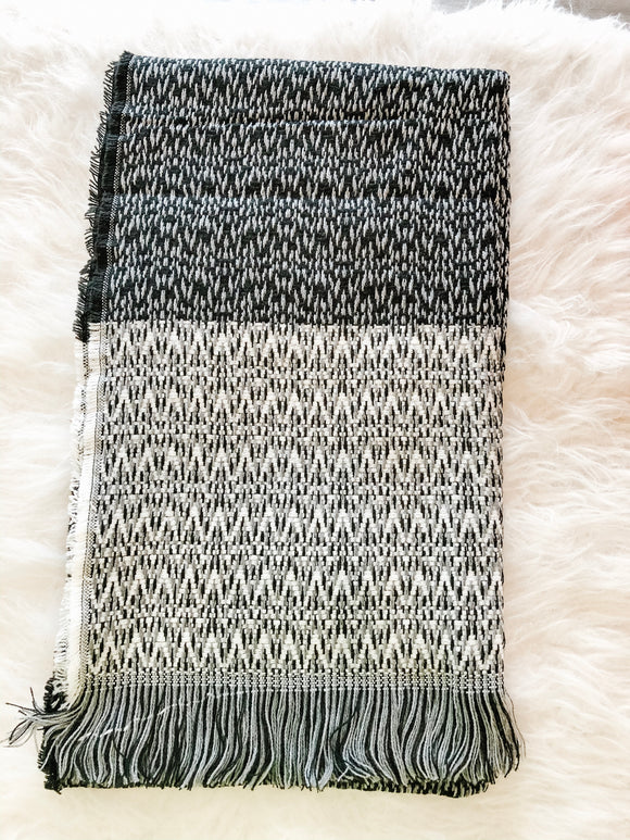 BLACK/GREY TEXTURED SCARF
