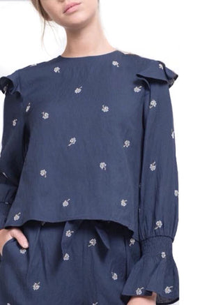 EMBROIDED BLOUSON SLEEVE TOP