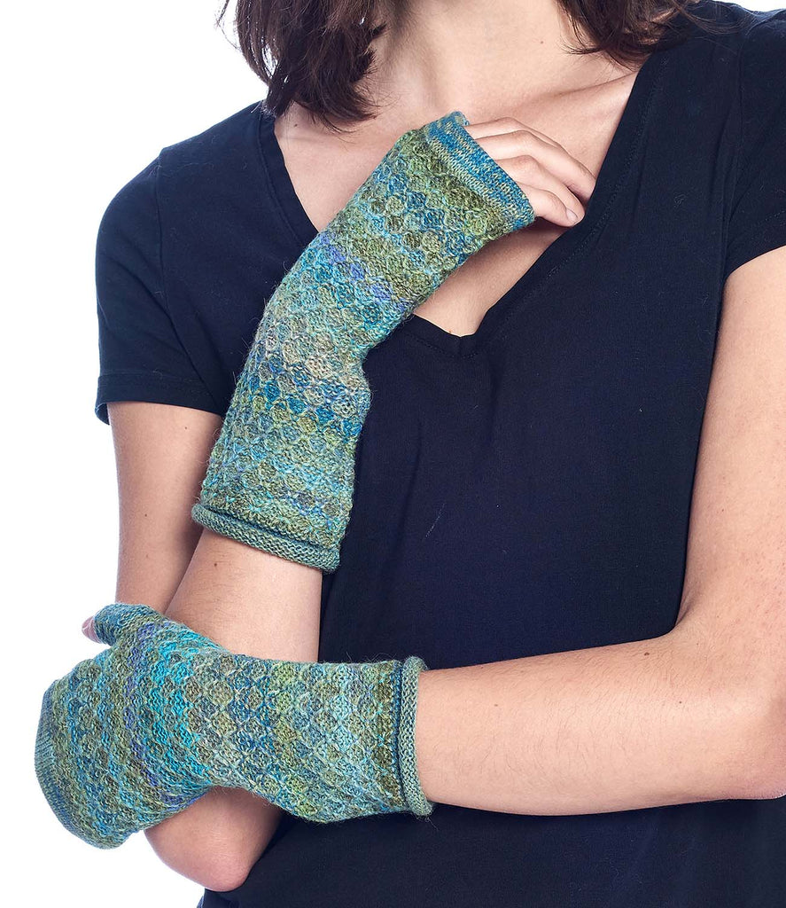 Alpaca Gloves Printed Seaweed by Shupaca