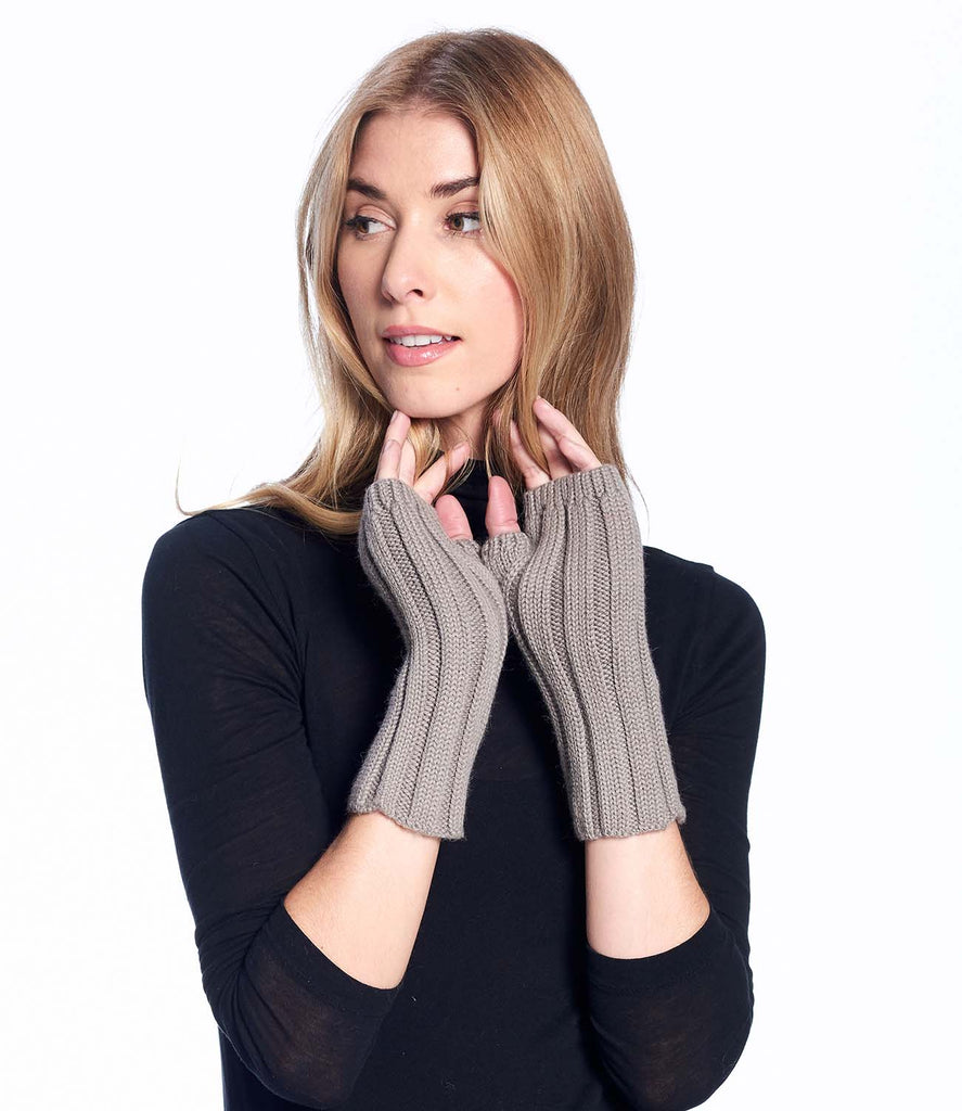 Alpaca Gloves Accordion Sand by Shupaca