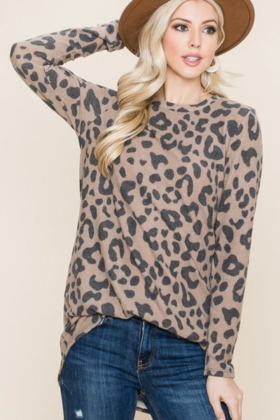 LOOSE FIT BRUSHED KNIT ANIMAL PRINT TUNIC