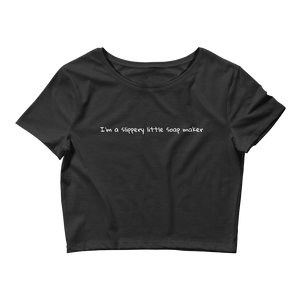 I'm a slippery little soap maker  Comfort cropped Tee - Little Beaches