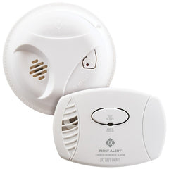First Alert 1039879 Smoke (SA303) & Carbon Monoxide (CO400) Detector Combo Pack