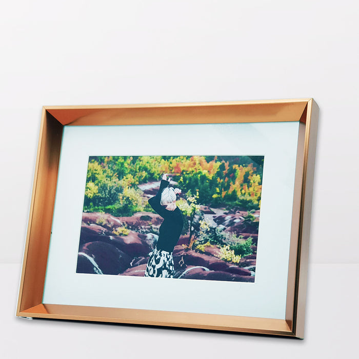 Rose Gold Photo Frame with 6x4 photo print