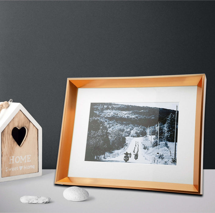 Rose Gold Photo Frame with 7x5 photo print scene