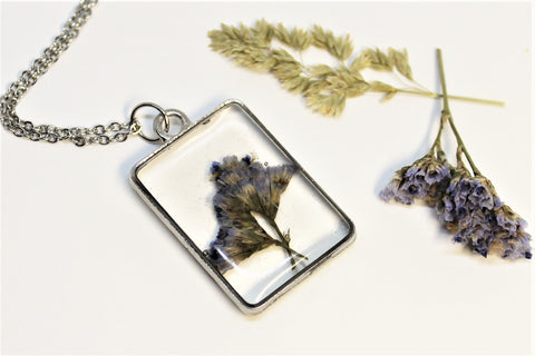 Real Pressed Sea Lavender, Flower Bezel Necklace, Dried Flowers Necklace, Pressed Statice, Nature Necklace, Rectangle Purple Flower Necklace