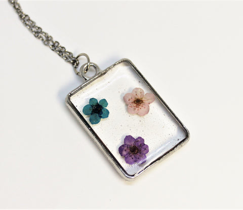 Real Pressed Flower Bezel Necklace, Dried Flowers Necklace, Blue Purple Pink Flower Necklace, Nature Necklace, Preserved Flowers, Hand Dyed