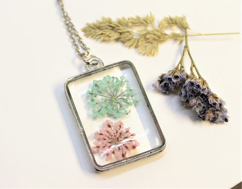 Real Pressed Queen Anne's Lace, Flower Bezel Necklace, Dried Flowers Necklace, Pink and Blue, Nature Necklace, Preserved Delicate Flower
