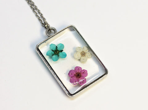 Real Pressed Flower Bezel Necklace, Dried Flowers Necklace, Blue Pink White Flower Necklace, Nature Necklace, Preserved Flowers, Hand Dyed