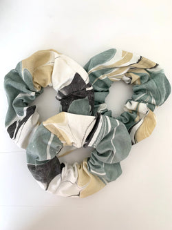 THE HAND MARBLED SCRUNCHIE