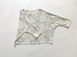 THE BUBBLE MARBLED T TOP in SLATE