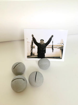 ROUND CHARCOAL PLACE CARD/PHOTO HOLDERS (SET OF FOUR)