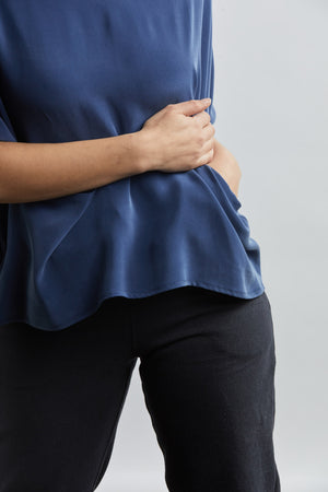 THE POCKET BOX TOP IN SILK CREPE