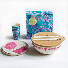Dinnerware Set with Coral Reef Design