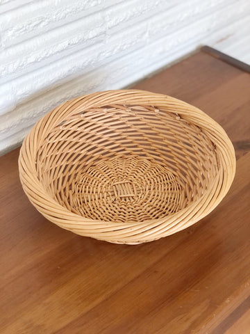 "Round Wicker Basket / would make a great fruit basket or wall decor / 11.5""x4"""