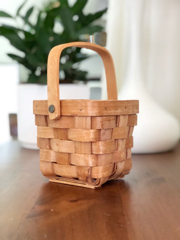 Cute little woven basket with handle