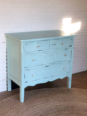 Vintage Painted Dresser in Great Condition