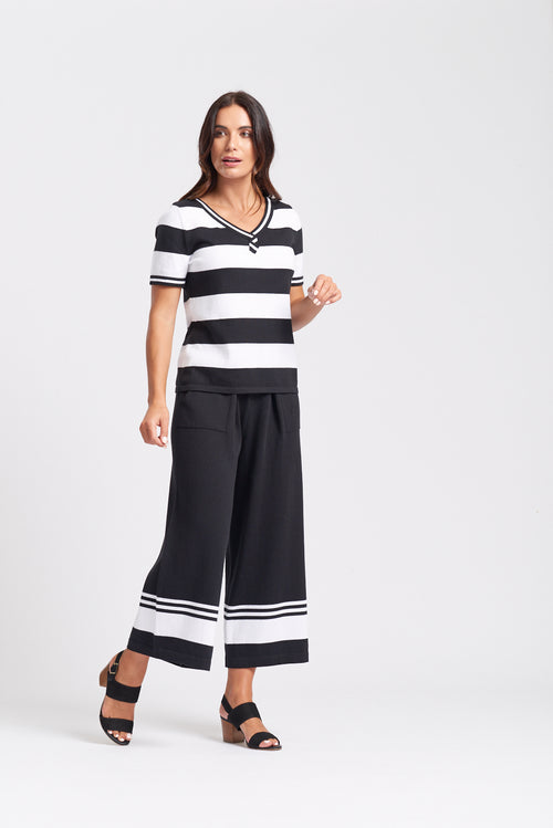 S/S Wide Stripe V-Neck Top - Optimum