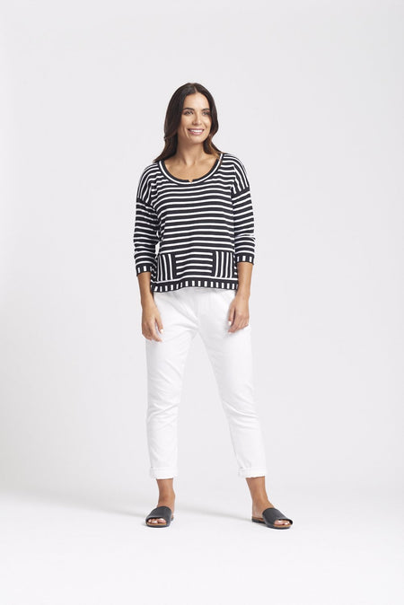 Half-Sleeve V-Neck Mixed Pattern Top