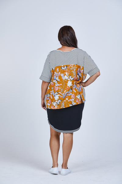 Curve Skirt - Black